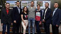 Nejlepší letečtí sportovci za rok 2018 (zleva) Jaroslav Vostřel, Petr Jonáš, Sabina Cioleková, Martin Šonka, Ivana Baláková, Jan Suchý a Petr Tichý) byli vyhlášeni 14. února 2019 v Praze.