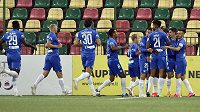 Hráči Liberce se radují ve Viliniusu z gólu ve 2. předkole Evropské ligy.