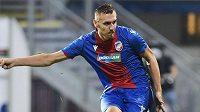 Tomáš Chorý z Plzně dává branku z penalty.
