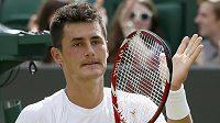 Bernard Tomic z Austrálie během Wimbledonu.