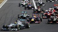 Nejlepší start ve Velké ceně Maďarska měl Lewis Hamilton.