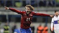 Alex Král se raduje, podílel se na druhém českém gólu proti Kosovu.