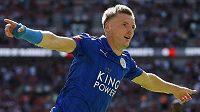 Leicesterský Jamie Vardy se raduje z vyrovnávacího gólu.