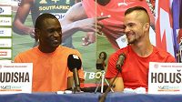 Keňský běžec David Rudisha (vlevo) a Jakub Holuša na tiskové konferenci před atletickým mítinkem Zlatá tretra.