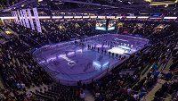 Liberecká Home Credit Arena. V sobotu dopoledne bude hostit hokejový zápas, odpoledne pak MMA.