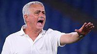 Legendární trenér José Mourinho odstartoval svoje angažmá na lavičce AS Řím vítězně.