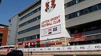 Zápas anglického Ligového poháru mezi fotbalisty Tottenhamu a Leytonu Orient musel být kvůli výskytu koronaviru v týmu ze čtvrté ligy odložen