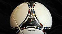 Tango 12, míč pro fotbalové mistrovství Evropy 2012.