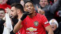 Útočník Manchesteru United Anthony Martial slaví svou trefu proti Manchesteru City.