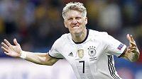 Bastian Schweinsteiger nedostane šanci přesvědčit trenéra Josého Mourinha, na Old Trafford dostal padáka.