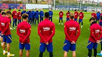 Trénink Barcelony začal minutou ticha
