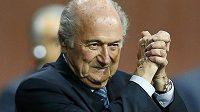 Šéf FIFA Sepp Blatter po svém znovuzvolení.