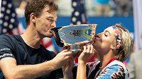 Jamie Murray a Bethanie Matteková-Sandsová se radují z obhajoby titulu na US Open