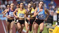 Česká reprezentantka Simona Vrzalová (v popředí) doběhla v závodě na 1500 metrů šestá v čase 4:19,46