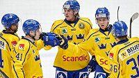 Gólová radost švédských hokejistů v utkání s českým týmem.