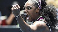 Serena Williamsová slaví postup do dalšího kola