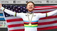Stáj Trek-Segafredo vzala zpět suspendovaného amerického cyklistu Quinna Simmonse