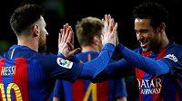 Lionel Messi a Neymar se radují. Jak dlouho zůstanou spoluhráči v Barceloně...?