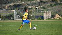 Lukáš Mareček v dresu Teplic během přípravného utkání na Kypru.