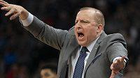 - Novým trenérem basketbalistů New York Knicks v NBA byl jmenován Tom Thibodeau