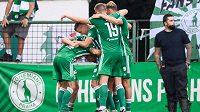 Fotbalisté Bohemians oslavují gól na 1:0 během utkání 4. kola Fortuna ligy se Spartou