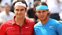 Roger Federer a Rafael Nadal před zápasem (archivní foto)