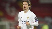 Luka Modrič bude i nadále oblékat dres Realu Madrid.