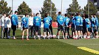 Zinédine Zidane se vrátil na lavičku Realu.