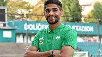 Do Ďolíčku přestoupil útočník Abdulla Jusuf Helal, který bude vůbec prvním reprezentantem Bahrajnu nejen v české lize, ale i v Evropě vůbec.
