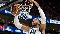 Francouzský basketbalista Utahu Jazz Rudy Gobert byl pozitivně testován na koronavirus.