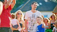 Marián Čišovský s rodinou na charitativní akci v Letkově u Plzně.