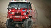 Aleš Loprais na trati desáté etapy Rallye Dakar.