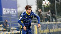 Mladý italský obránce Andrea Gresele utrpěl vážná poranění.