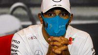 Lewis Hamilton zatím nemá o své budoucnosti jasno.