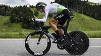 Český cyklista Roman Kreuziger v akci během úvodní časovky na 9,5 kilometru na závodě Kolem Švýcarska.