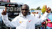 Nový světový rekordman na maratonské trati Eliud Kipchoge (2:01:40)