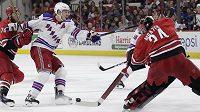 Hokejový brankář Petr Mrázek z Caroliny stále nepovažuje za stoprocentně jisté, že se momentálně přerušená NHL opět rozehraje.