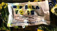 Pilot letadla, v němž loni v lednu zahynul po pádu i fotbalista Emiliano Sala, neměl potřebnou licenci.