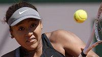 Japonská tenisová hvězda Naomi Ósakaová na Roland Garros.