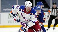 Ruský hokejista Pavel Bučněvič ještě v dresu NY Rangers.