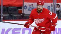 Český obránce Filip Hronek bude v NHL pokračovat v dresu Detroitu.
