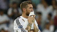 Zklamaný obránce Realu Madrid Sergio Ramos po vyřazení v semifinále Ligy mistrů.