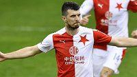 Ondřej Kúdela ze Slavie se raduje z gólu, který vstřelil z penalty.