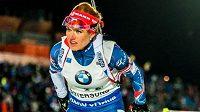 Gabriela Koukalová během závodu smíšených štafet v Östersundu.