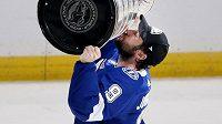 Tyler Johnson opouští Tampu a v NHL bude nově hrát za Chicago