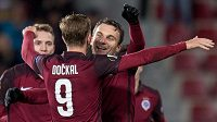 David Lafata a Bořek Dočkal oslavují gól na 2:0 během utkání Sparta - Hapoel Beer Ševa. Sejdou se ještě i v reprezentaci...?