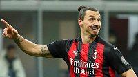 Švédský fotbalista Zlatan Ibrahimovic doléčil zranění stehna a vrátil se na hřiště v ligovém zápase proti Turínu FC.