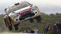 Francouzský fenomén Sébastien Loeb na trati Argentinské rallye.