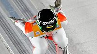 Slovinec Peter Prevc během kvalifikace na první závod Turné čtyř můstků v Oberstdorfu.