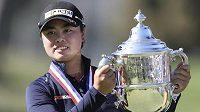Ženský golfový major US Open vyhrála devatenáctiletá Yuka Sasová z Filipín